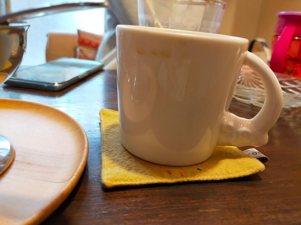 サイのマグカップ